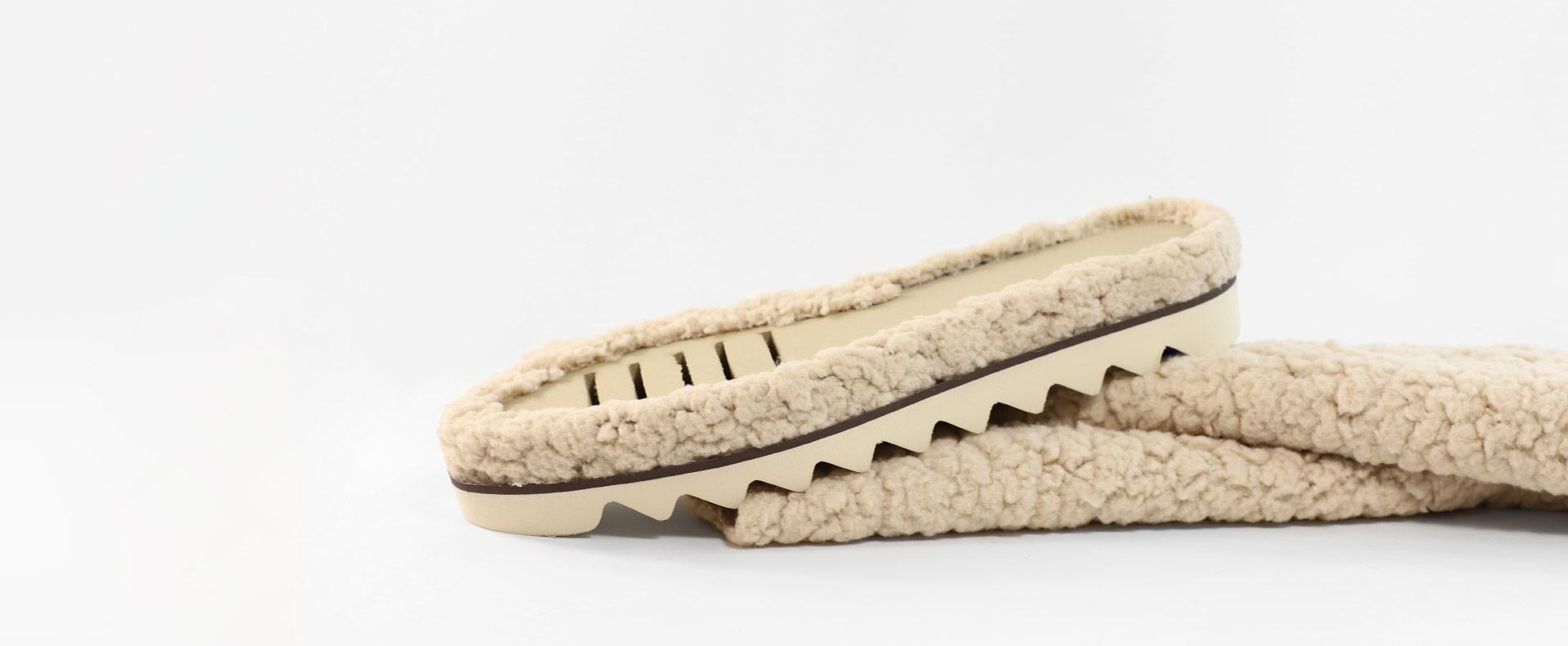Suelas con piel de borrego hechas por Majoma