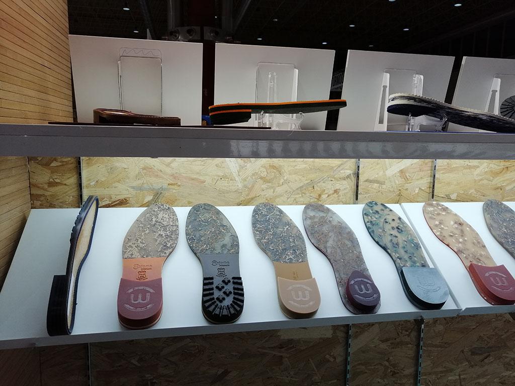 Exposición de nuestras suelas de calzado más clásicas y cómodas
