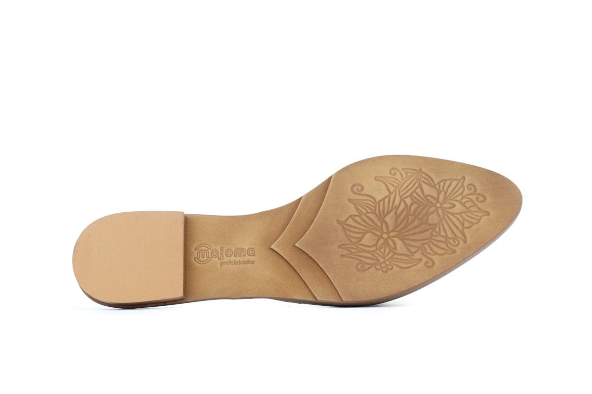 Grabados y relieves, las últimas tendencias en suelas de calzado.